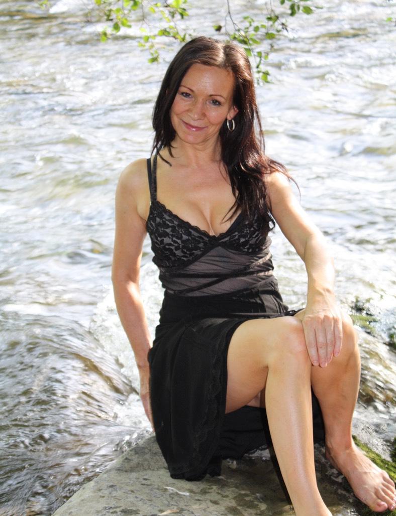 Bilder von Madeleine - Tantramassage am Bodensee